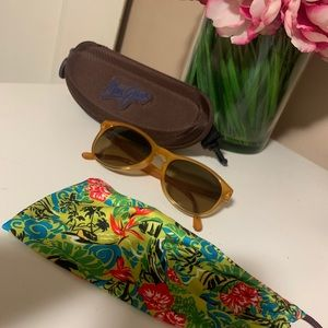 Maui Jim Sunglasses with pouch and case